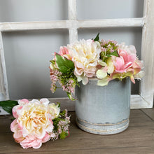 Load image into Gallery viewer, PEONY & HYDRANGEA POSY