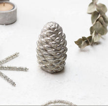 Load image into Gallery viewer, GOLD PINECONE