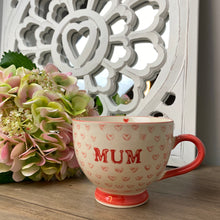 Load image into Gallery viewer, RED HEART MUM MUG