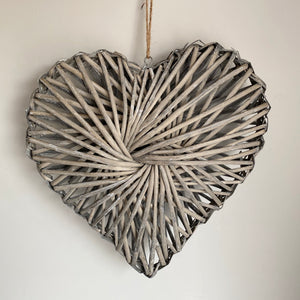 WOVEN WILLOW HEART