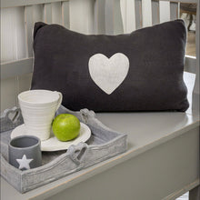 Load image into Gallery viewer, HEART KNIT CUSHION