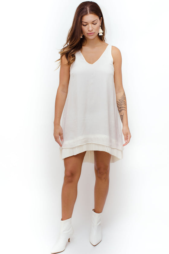 Fron Image: V Neckline, beautiful detailed hem, light material, skinny straps, hits mid high, fits various body types.