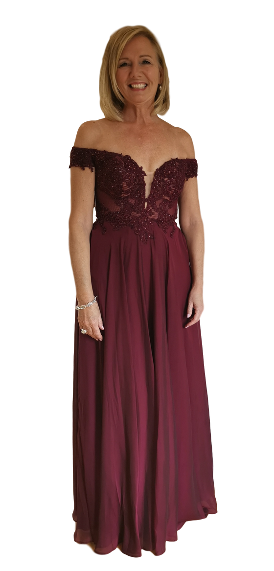 La Femme - Off the Shoulder Lace - Merlot