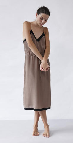 Lonely Hearts - Contrast Slip - Taupe