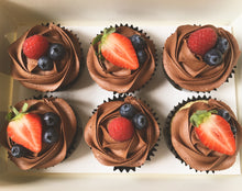 Load image into Gallery viewer, Summer Berry Cupcakes