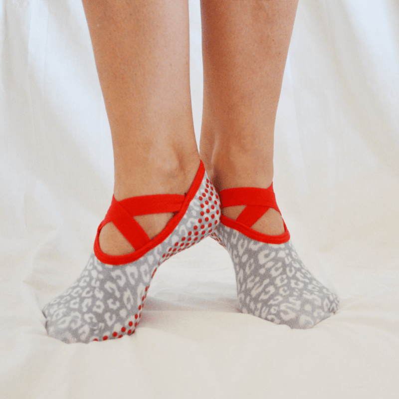 Snow Leopard Ballet Grip Socks - SOCK-IT & CO.