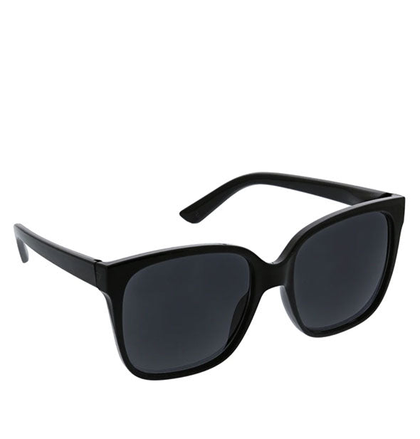 Angled view of Peepers Palisades Sunglasses in Black.