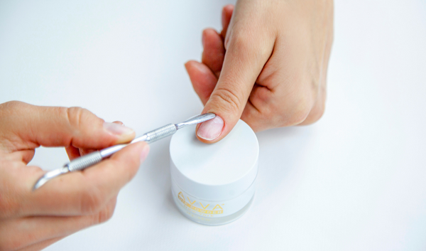 How to use AVVA Dip Powder Kit for a Nude Manicure 01