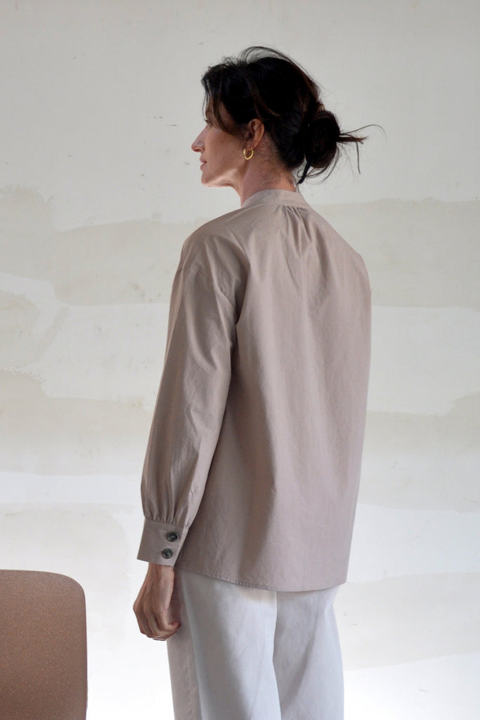 Two-Button Blouse – Rosa