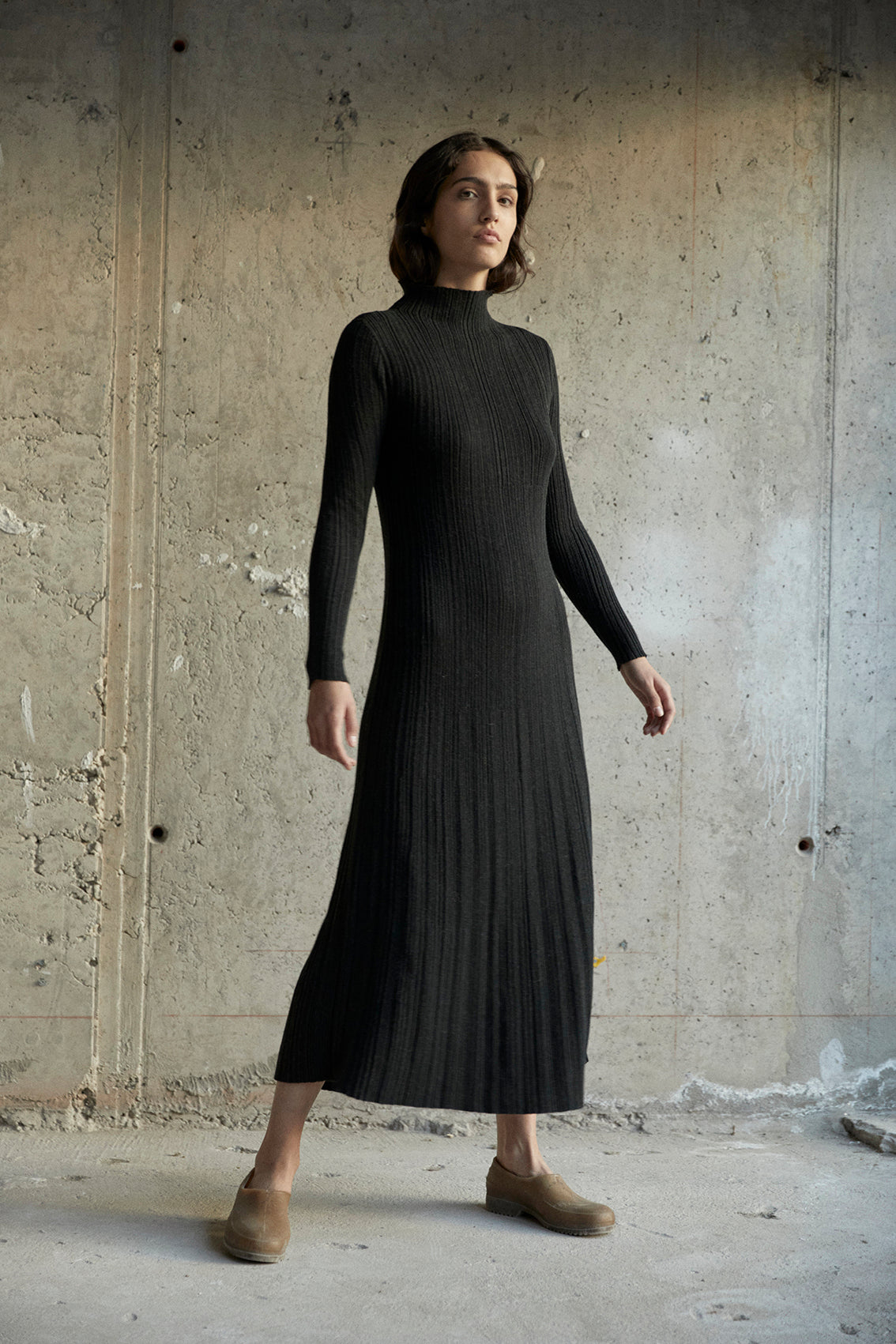 Mock Neck Knitted Maxi Surcos Dress – Black