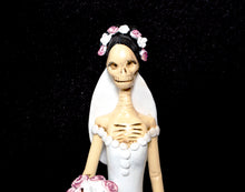 Load image into Gallery viewer, Catrina Small Bride