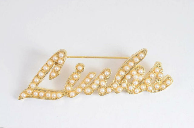 Links, Inc. Gold Cursive Lapel Pin with Pearls