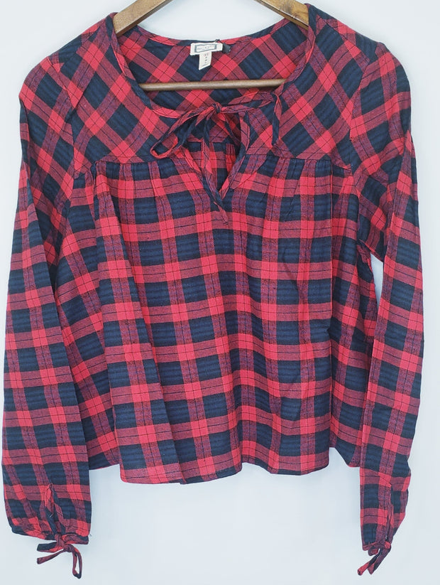 Long Sleeve Plaid V-Neck Top
