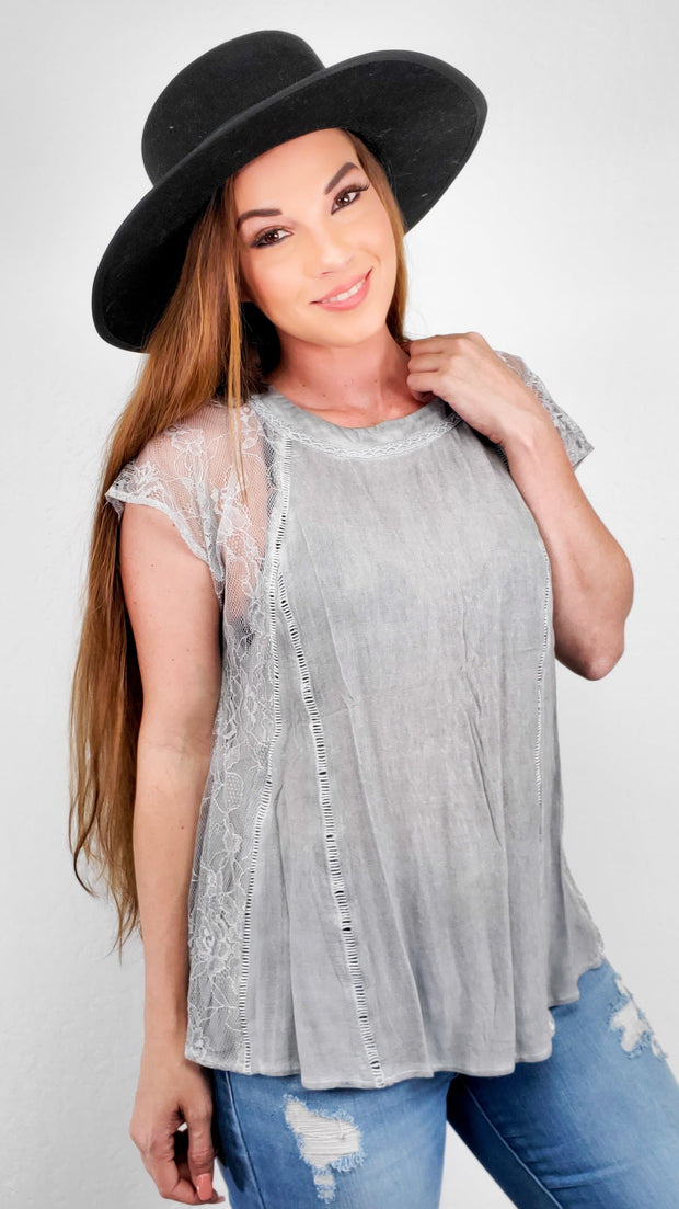 Pol - Round Neck Top with Lace-Cut Short Sleeves