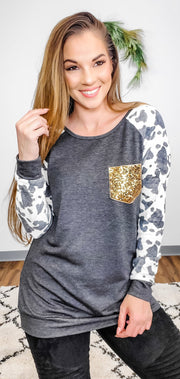2 Tone Print Contrast Long Sleeve Pullover Top with Sequins Pocket