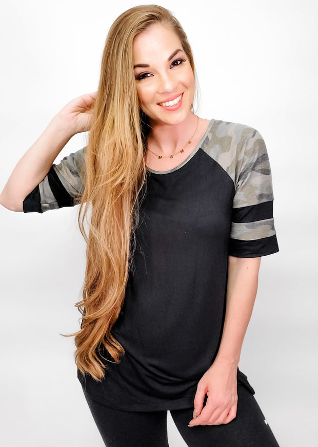 Short Sleeve Round Neck Solid and Camo Print Contrast Top (S-3XL)