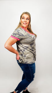 Camo V-Neck Top w Pink Trim (XL-2XL)