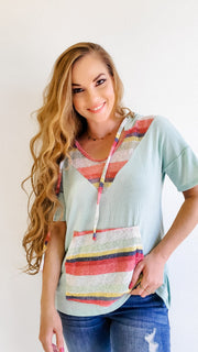 "V-Neck Hooded Drawstring Top with Contrasted Colorful Stripe Print ""Y"""