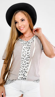 "V-Neck Hooded Drawstring Top with Contrasted Animal Print ""Y"""