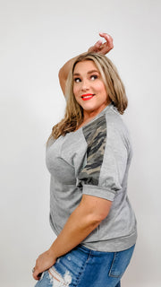 Camo Contrast French Terry Casual Top (1XL-3XL)