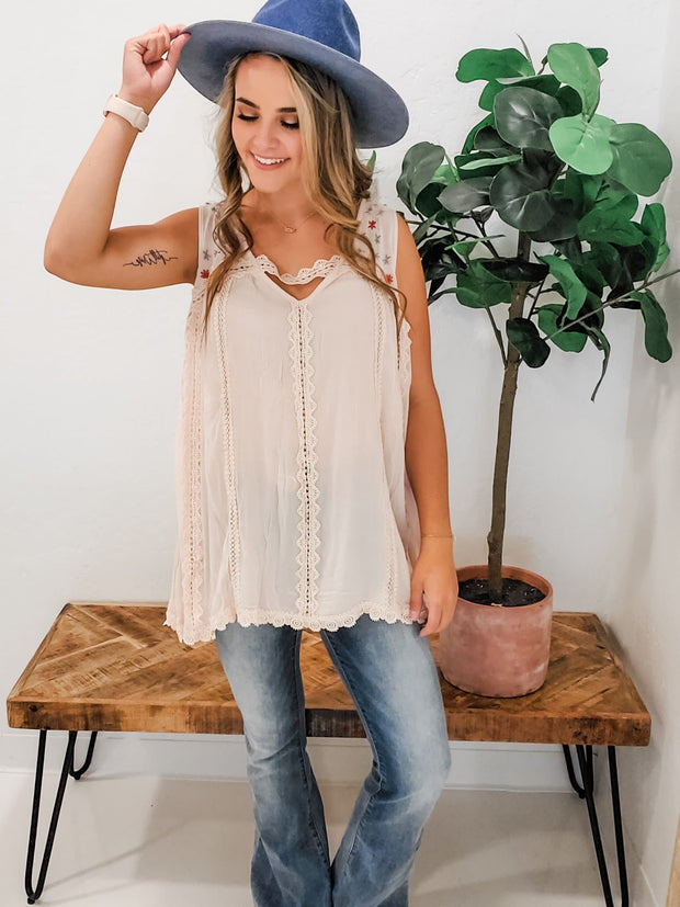 Pol - Embroidered Woven Sleeveless Top Featuring Lace Trim Detail on Body and Finished with Zipper Closure