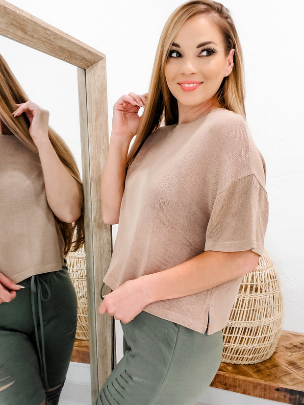 Round Neck Short Sleeves Knit Top