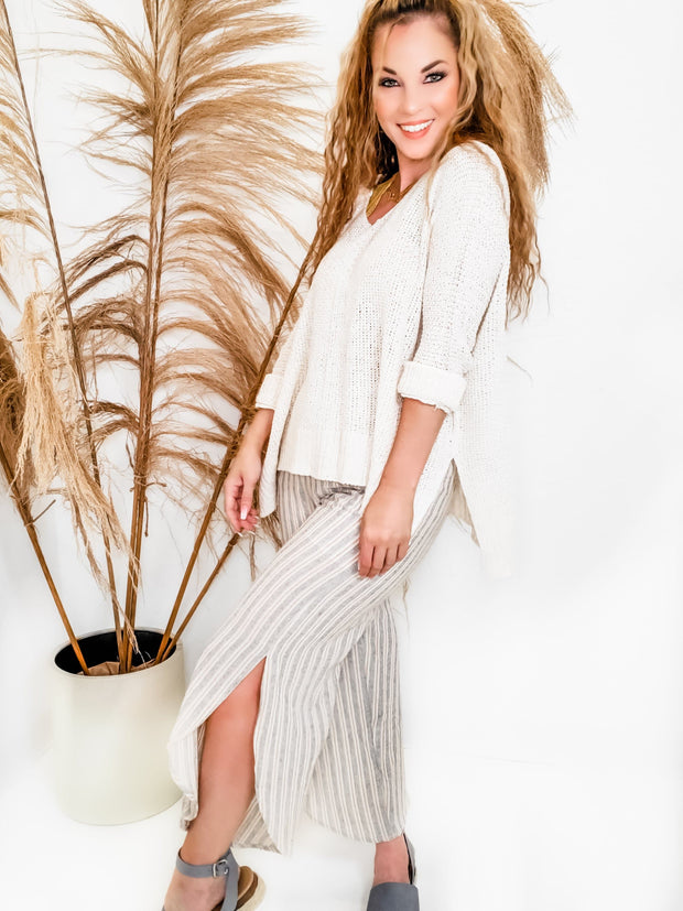 Wide Legged Tulip-Hem Linen Fabricated Pants with Stripe Detailing