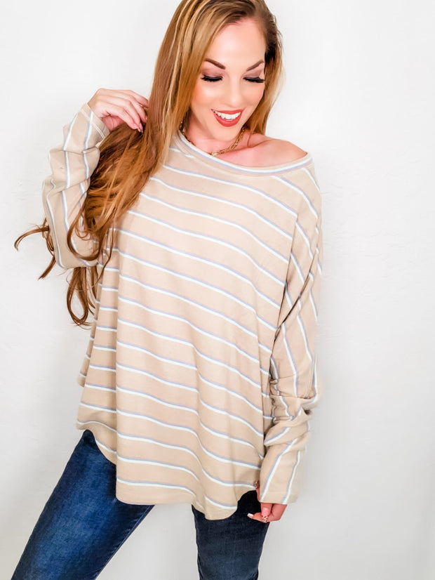 Easel - Long Sleeve Crew Neck Top