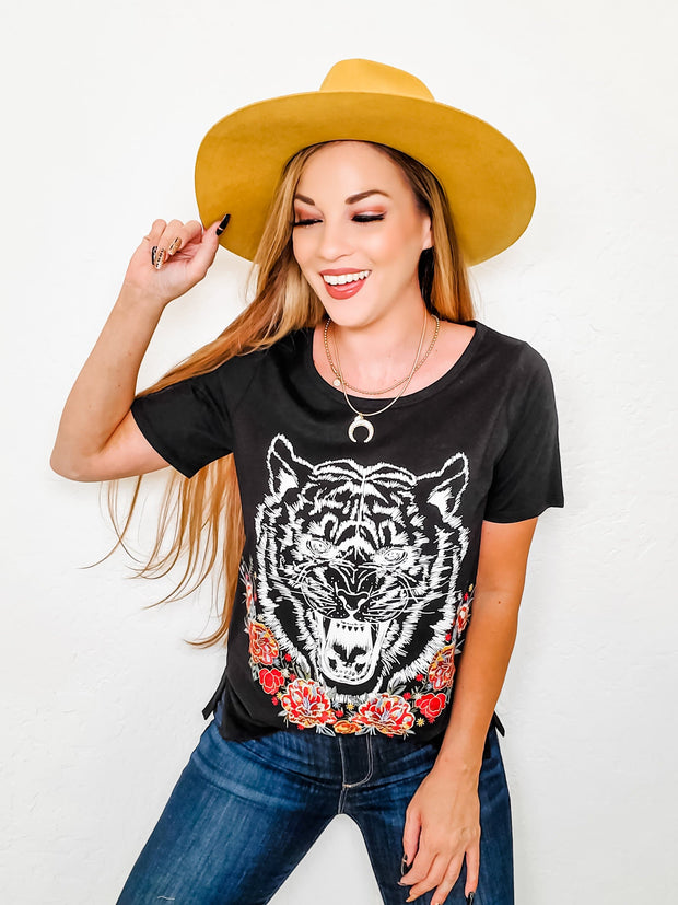 Short Sleeves Tiger Embroidered Top with Floral Detailing (S-3XL)