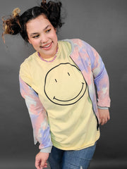 Smiley Face Graphic Top (S-3XL)
