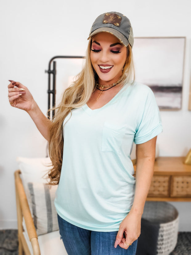 Solid V-Neck Top with Pocket (S-3XL)