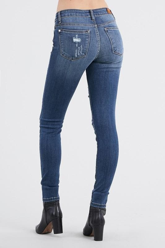 Judy Blue Influencer Distressed Skinny Jean