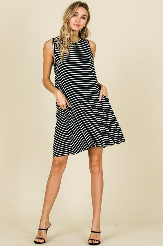 Black and White Sleeveless Swing Dress with Pockets