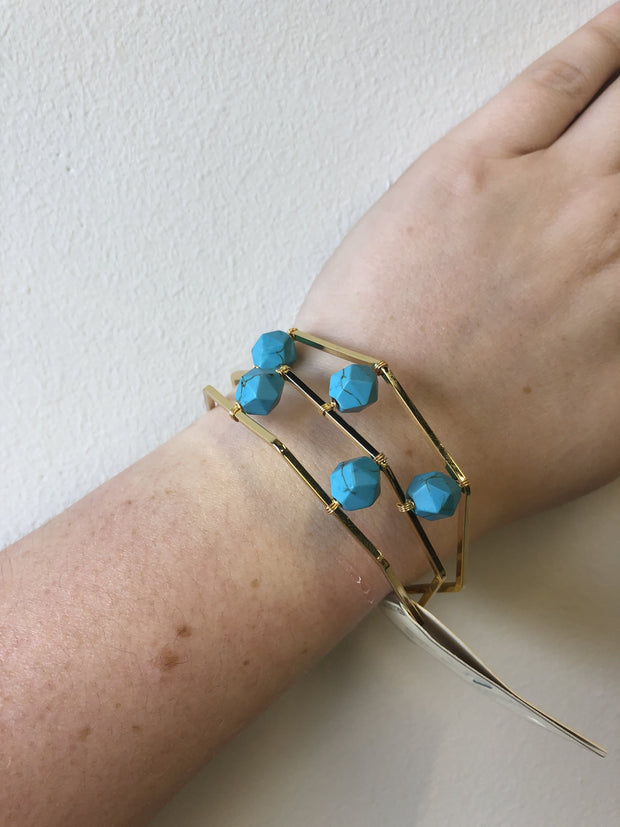 2.5 Dia Bracelet Gold Cuff with Turquoise