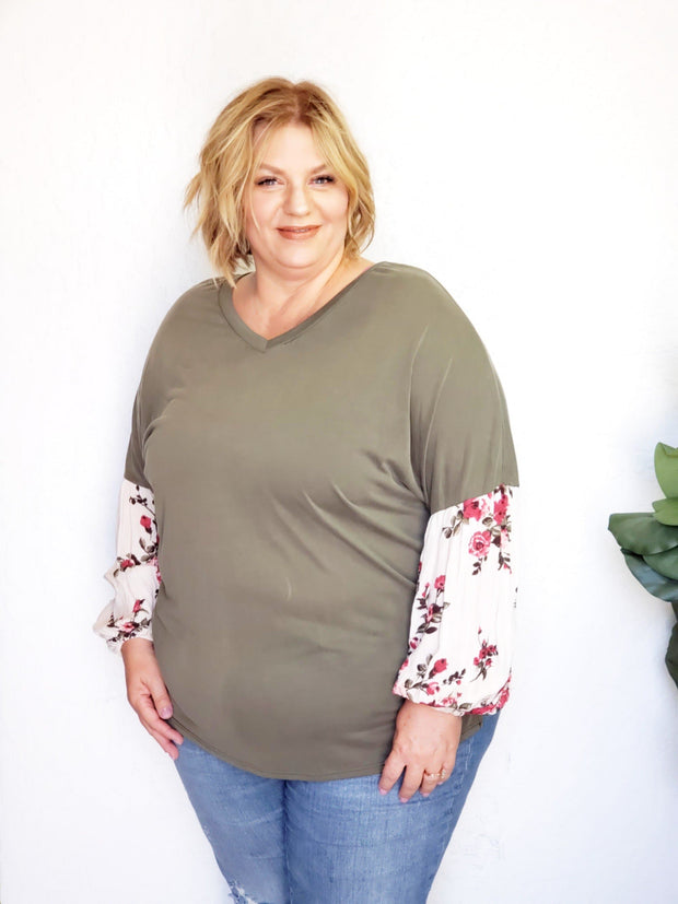 Plus Size Long Sleeve V-Neck Top with Floral Detailed Balloon Sleeves