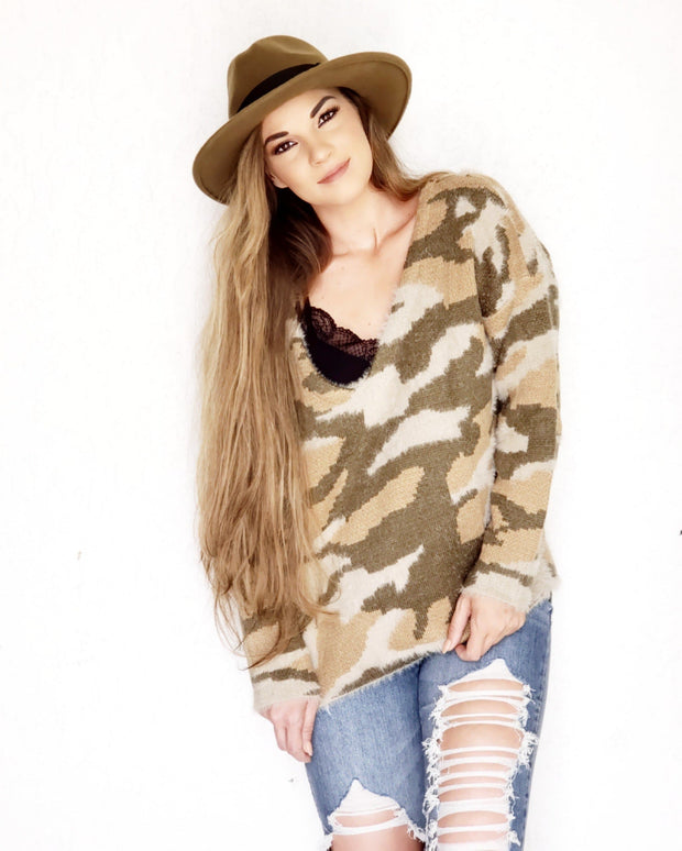 Pol - V-neck Camouflage Long Sleeve Sweater