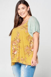 Plus Size Floral Knit Top with Short Sleeves