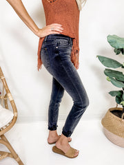 Judy Blue - Black Beauty Cuffed Skinny Jeans (0-24W)