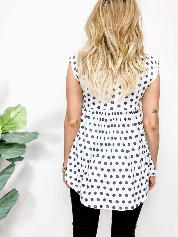 Polka Dot Short Sleeve Round Neck Top (S-3XL)