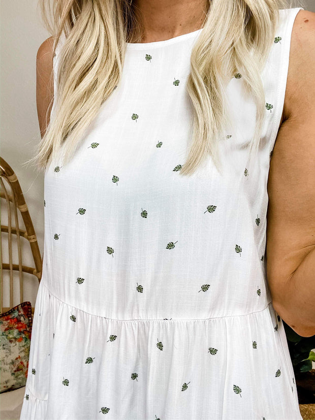 Round Neck Sleeveless Tiered Print Top