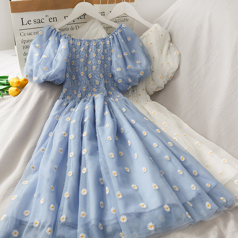 Daisy Puff Sleeve Dress pic