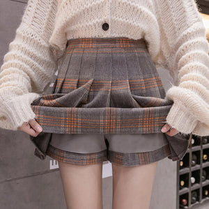 High-Waisted Pleated Skort pic