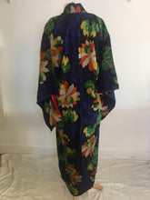 Load image into Gallery viewer, Vintage Kimono 1925 Meissen Silk