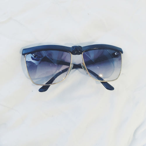Vintage Sunglasses Black Frame