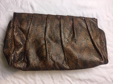 Load image into Gallery viewer, Vintage Clutch Snakeskin