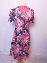 Load image into Gallery viewer, Vintage Dress Cotton Floral
