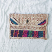 Load image into Gallery viewer, Vintage Clutch Woven Large