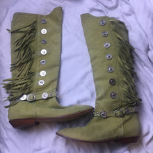 Load image into Gallery viewer, Vintage Boots Fringe - Green