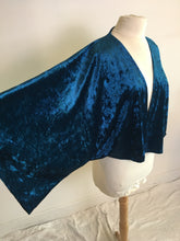 Load image into Gallery viewer, Life Co. Velvet Kimono - Blue