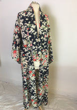 Load image into Gallery viewer, Vintage Kimono 1935 Silk